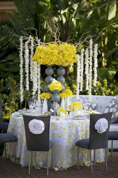 yellow-grey-wedding-decor-meant2be-events-modern-yellow-and-grey-tablescae-spring-pantone-fashion-wek-inspired-wedding-decor